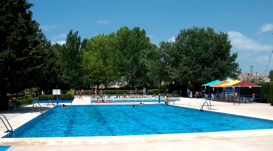 El uso de la piscina municipal