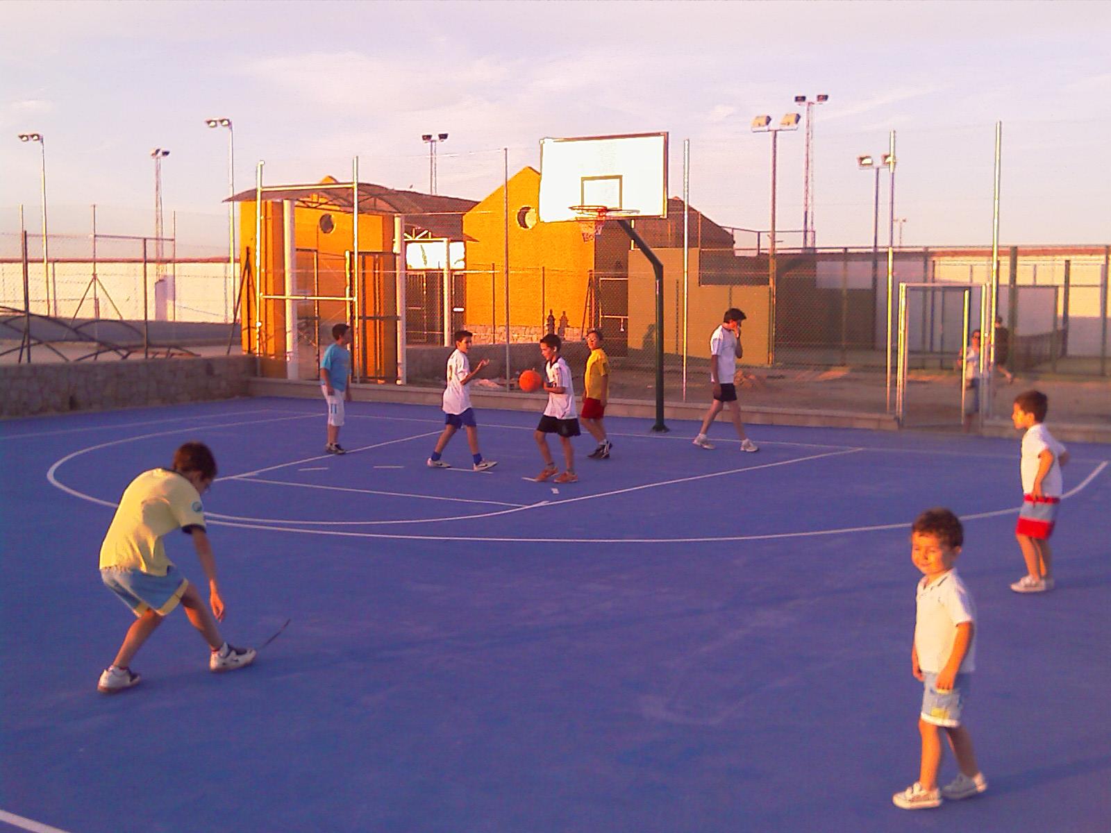 La pista municipal de baloncesto