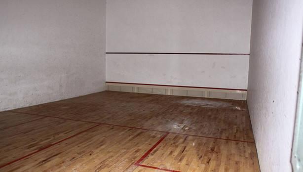Curiosa historia de la pista municipal de squash